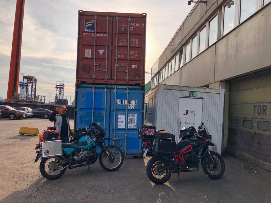 Verschiffung der Motorräder nach Valparaiso