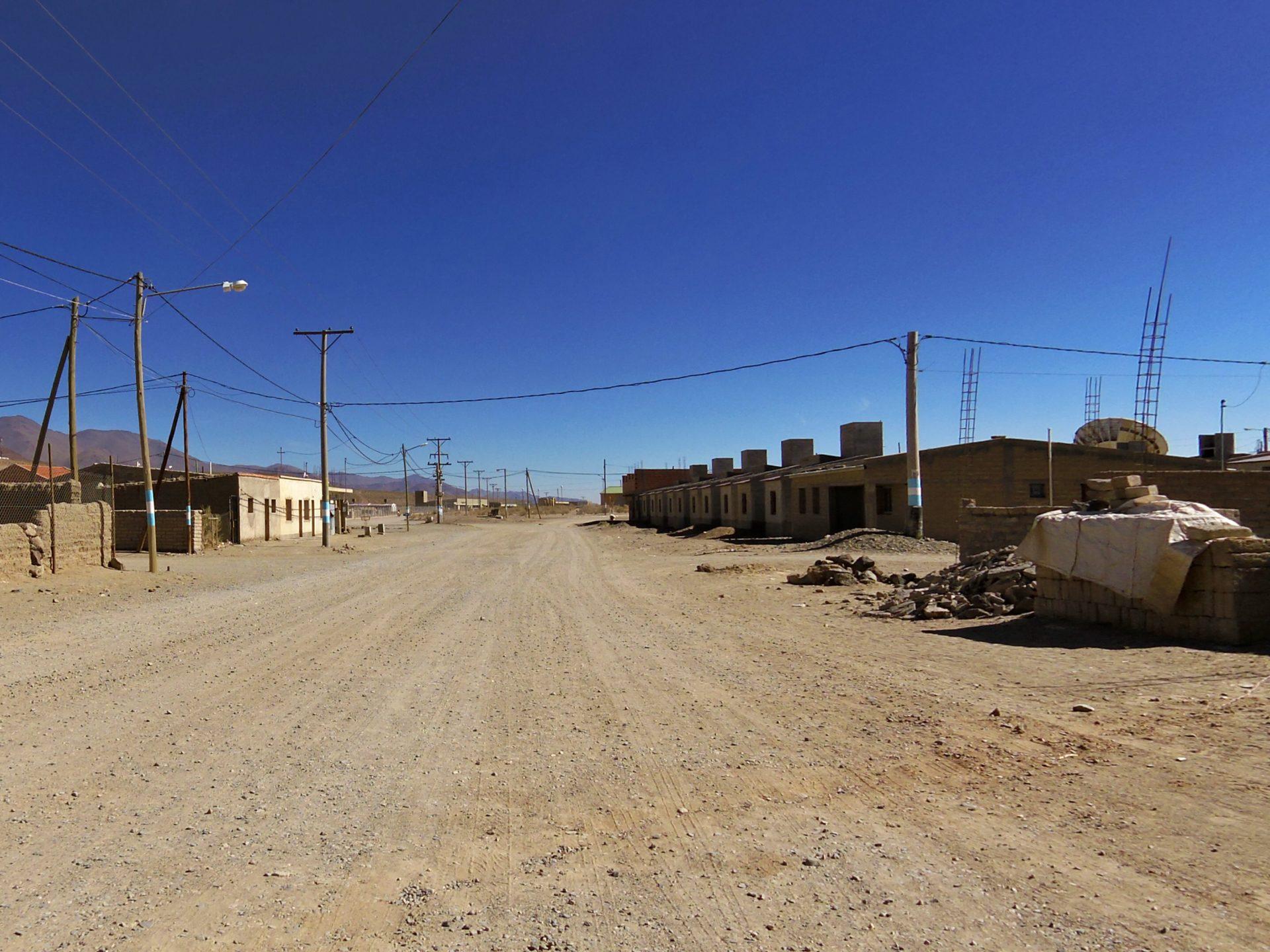 Eine typische Dorfstrasse