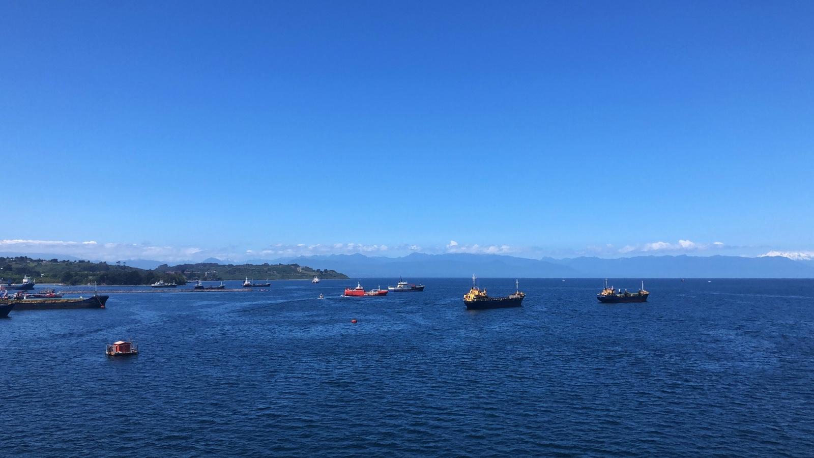 Einlaufen im Hafen von Puerto Montt