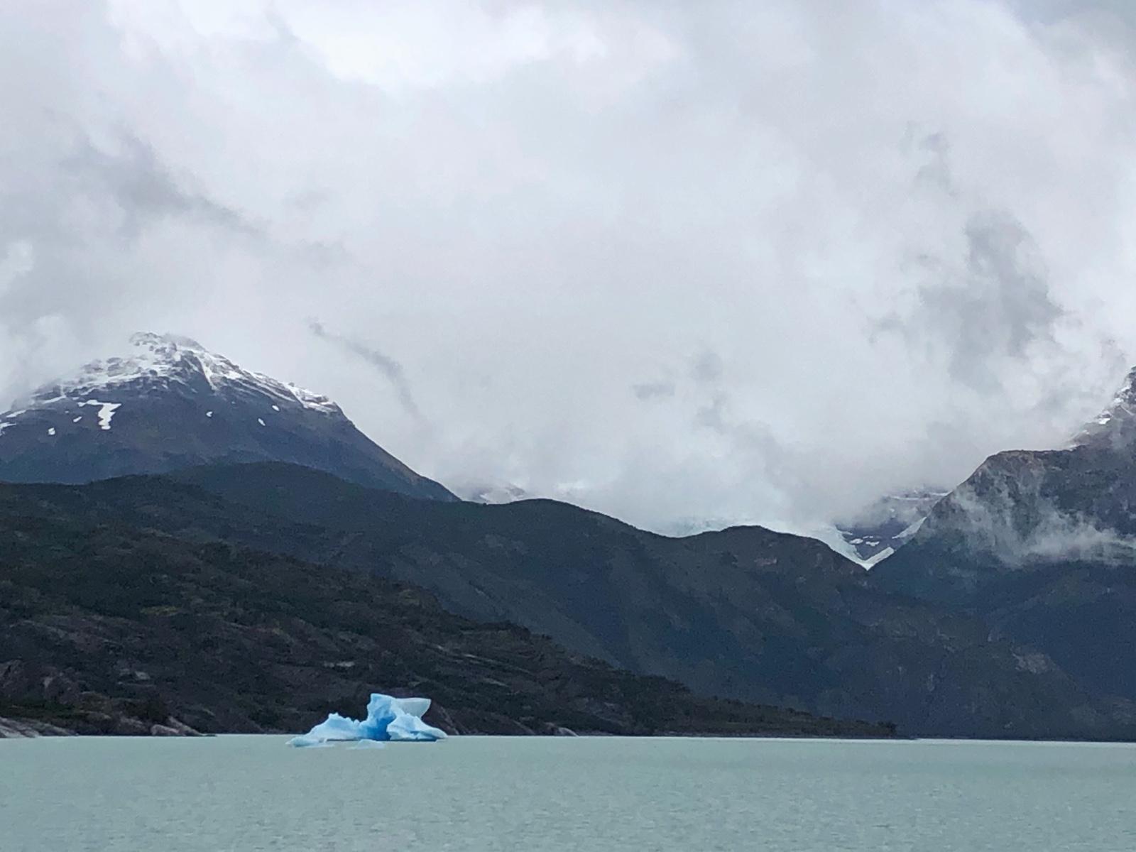 Eisberg. Sind aber zum Glück nicht mit der Titanic unterwegs