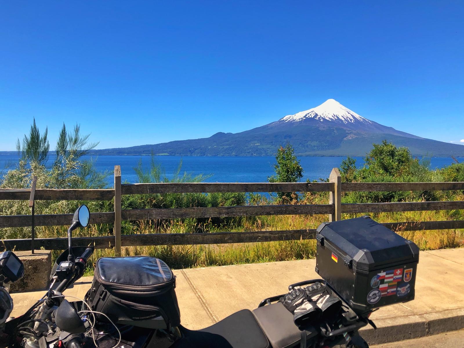 Der Osorno von der anderen Seite des Sees