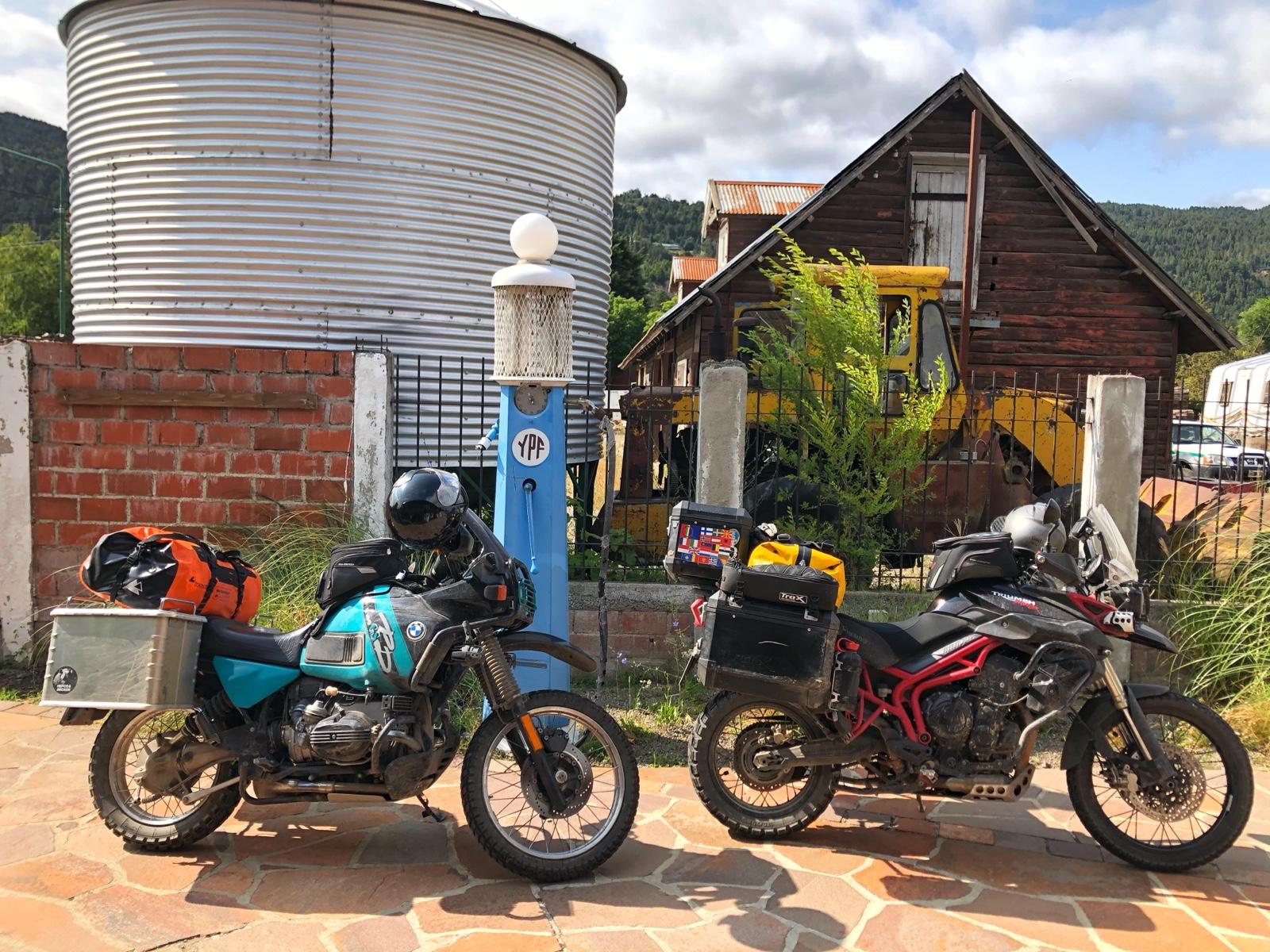 Die Bikes vor dem Che Museum